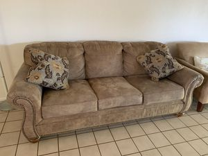 Couch for Sale in Redlands, CA