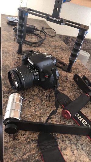 Camera cannon eos rebel T3i for Sale in San Bernardino, CA