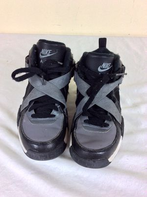 Nike Air Raid Basketball Shoes 644412-001 Boys Grade School Size 4.5Y for Sale in Severn, MD