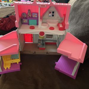 Frisher Price Doll House for Sale in Clovis, CA