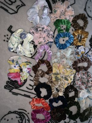 Lot of 26 scrunchies for Sale in Midway Park, NC
