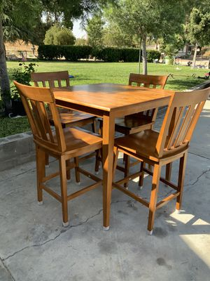 4 chair dining table for Sale in Hemet, CA