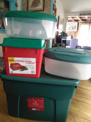 35 gallion, 24 3/8 and two round tubs all have lids Pu only no holds for Sale in Columbus, OH