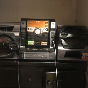 Stereo In A Good Condition for Sale in Los Angeles, CA