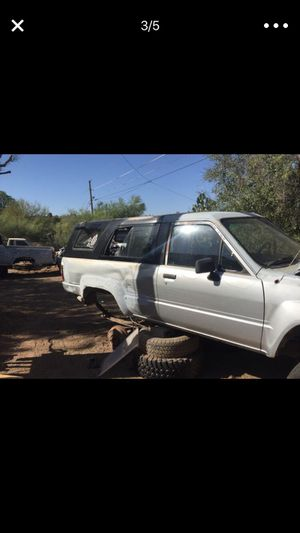 Toyota 84-89 4RUNNER and Truck 2wd , 4wd drive parts thanks for looking LOTS OF GOOD PARTS for Sale in Phoenix, AZ