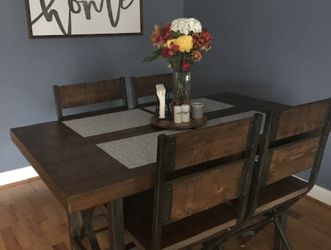 DINNING TABLE MUST GO for Sale in Downey,  CA
