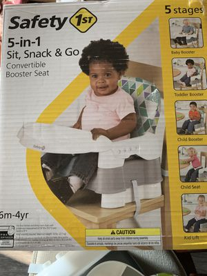Rarely used convertible booster seat——-$13 for Sale in Charlotte, NC