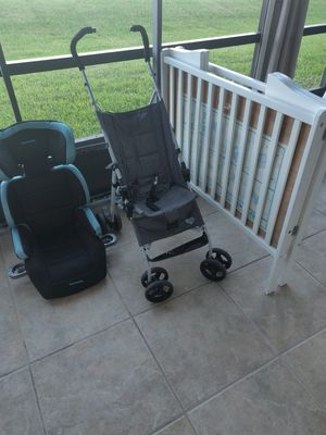 VINTAGE FOLD UP CRIB, CAR SEAT + FOLD UP STROLLER WITH CLIP (ONLY SOLD AS BUNDLE) for Sale in Cocoa Beach, FL
