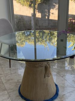 Beautiful Dining Table for Sale in Los Angeles,  CA