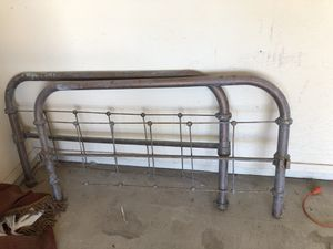 Antique metal twin bed frame for Sale in Chandler, AZ