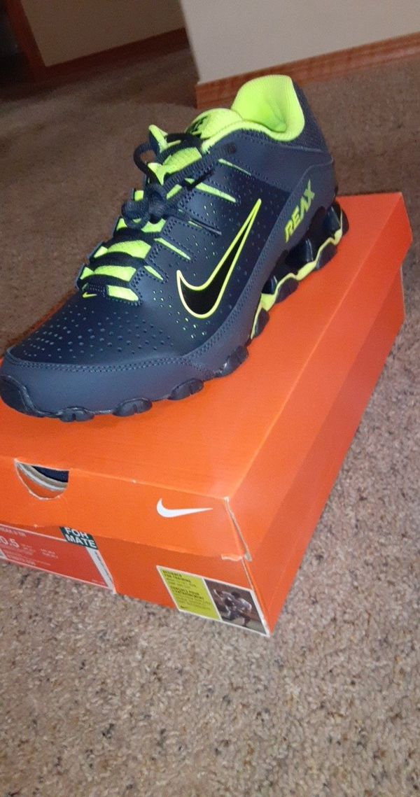Nike man shoes 10.5 n ine pair of 11s