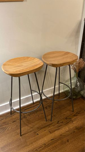 """2x West Elm Bar Stools 30"""" height for Sale in Chicago, IL"""
