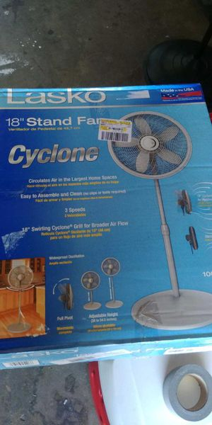 18 in stand fan for Sale in San Diego, CA