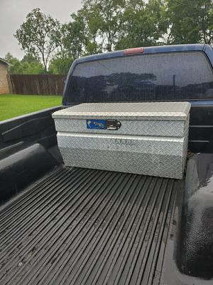 Tool box with key for Sale in Longview, TX