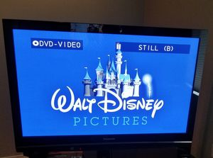 """50"""" Panasonic tv and black glass stand for Sale in Edmonds, WA"""