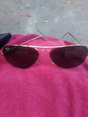 Men's ray-bans sunglasses for Sale in Grand Prairie, TX