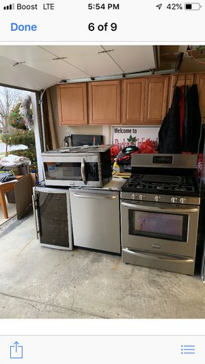 Refrigerator stove and other appliances. Whole set for Sale in Columbus, OH