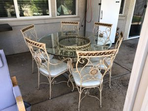 Beautiful Dining Table with 6 chairs for Sale in Rancho Cordova, CA