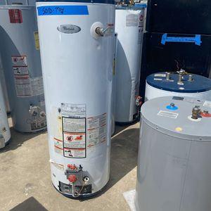 gas water heater 40-50 gal 2lo3735557 for Sale in San Antonio, TX