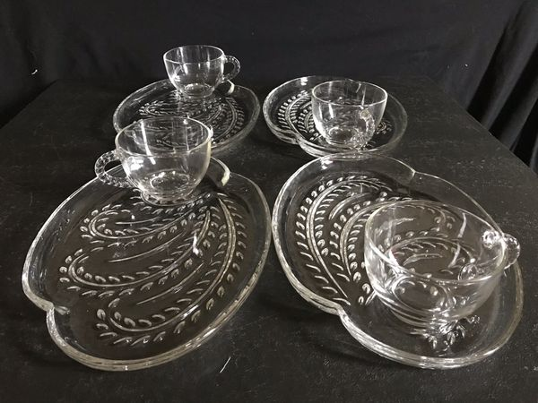 Federal Glass 'Homestead' Snack Set