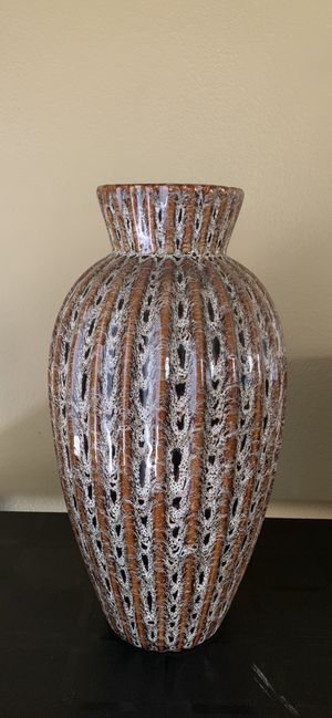 Ceramic Vase 12 in. H. for Sale in Mill Creek, WA