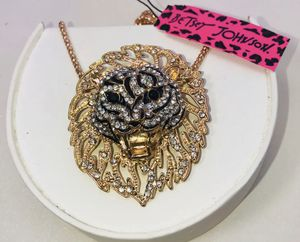 """Betsey Johnson """"THE GOLDEN 🦁 KING!"""" Beautiful golden rhinestone large lion 🦁 rhinestone necklace NEW! for Sale in Carrollton, TX"""