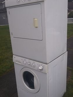 STACKABLE WASHER AND DRYER MATCHING SETS for Sale in Everett,  WA