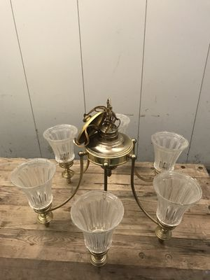 6 Light Vintage Brass Chandelier for Sale in Queens, NY