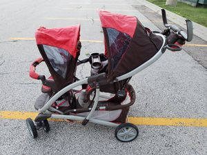 Double stroller graco for Sale in Elgin, IL