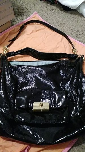 Coach hobo patent leather purse really nice authentic extremely a great bag for Sale in Mableton, GA