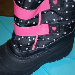New Snow Boots Out Box For Girls In Awesome Condition for Sale in St. Louis, MO