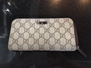Gucci long wallet for Sale in Austin, TX