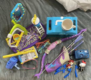 Lot of toys. Little Live Pets. Play doctor. Bow & Arrows. for Sale in Round Rock, TX