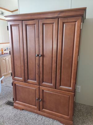 Entertainment center (PU Only)(Pending) for Sale in Wichita, KS