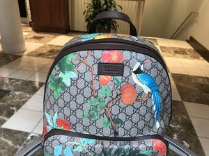 Gucci gg supreme floral for Sale in Cleveland, OH