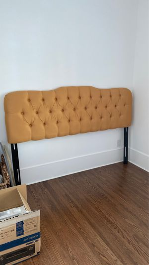 Headboard- king size for Sale in Charlotte, NC