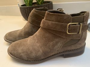 Clarks women's boots for Sale in Cherry Valley, CA