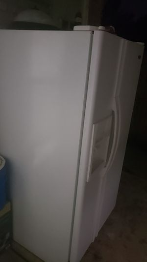 Side by Side Refrigerator (WHITE) for Sale in San Antonio, TX