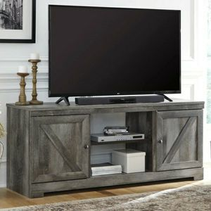 New Wynnlow Gray LG TV Stand | W440-68 for Sale in Silver Spring, MD