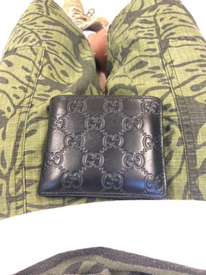 Gucci wallet for Sale in The Bronx, NY