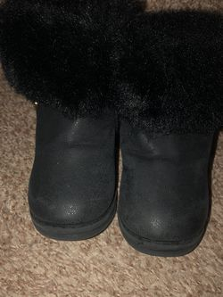 Size 6 Toddler - Mini Melissa Snow Boots for Sale in Littleton,  CO