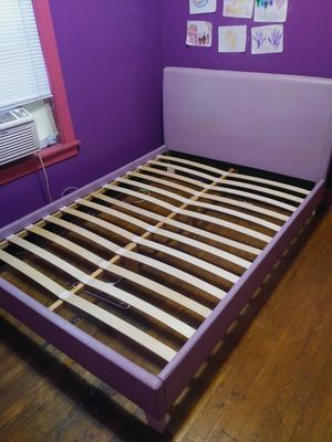 Full size bed frame for Sale in Chicago, IL