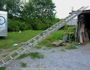 40-foot aluminum extension ladder for Sale in Oakland, CA