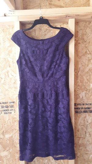 Purple lace dress. Size 8. for Sale in Benson, NC