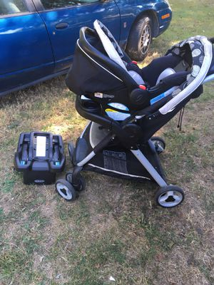 Graco car seat and stroller combo for Sale in Burlington, NC