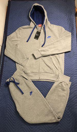 Nike sweatsuit size xl for Sale in Bloomfield, NJ