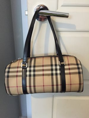Authentic Burberry handbag for Sale in Duluth, GA