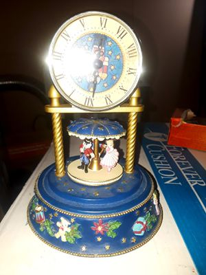 Antique/Vintage Rotating & Singing Clock for Sale in Chesterton, IN