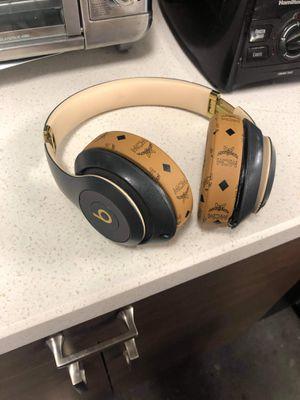 Beats studio 3 wireless for Sale in Escondido, CA