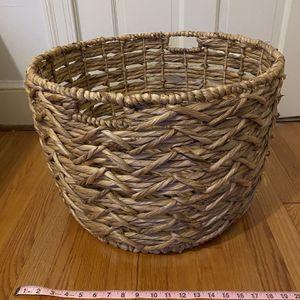 20 Inch Basket for Sale in Arlington, VA